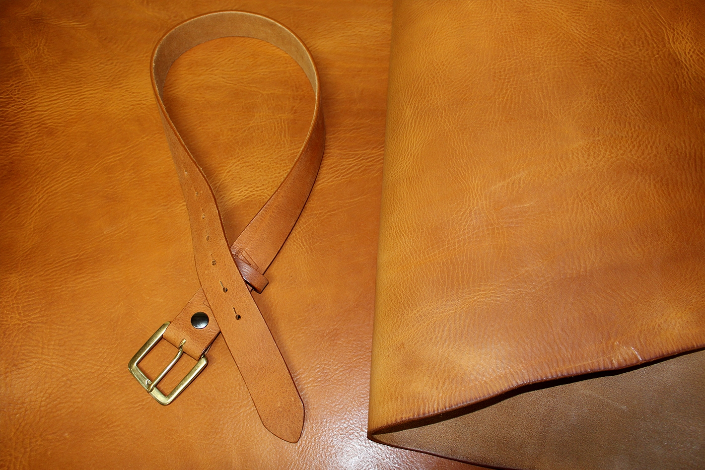 """24/""""x 8/""""TOOLING  NATURAL VEG TAN LEATHER  3.6//3.8mm THICK"""